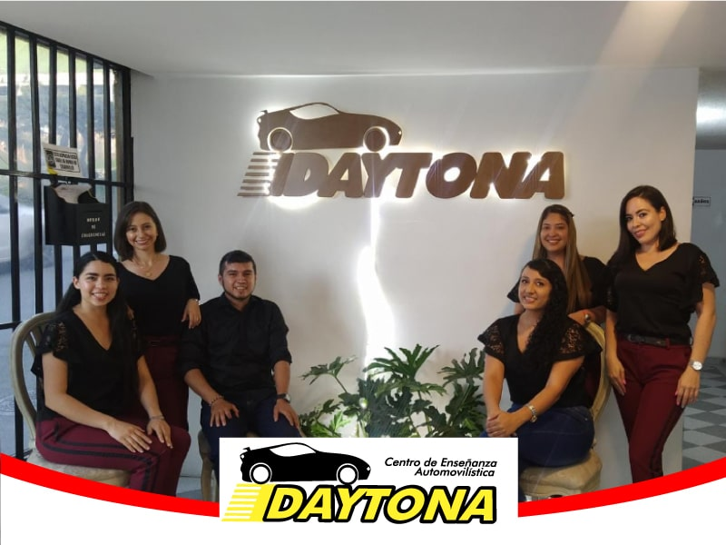 CENTRO DE  ENSEÑANZA AUTOMOVILISTICA DAYTONA